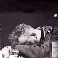 """""""Pervitin und Kalte Ente, Russenschnaps und Morphium: Alkohol- und Rauschmittelmissbrauch bei der Wehrmacht im Zweiten Weltkrieg"""""""